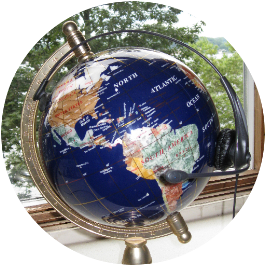 headset on the globe symbolizes the global classroom